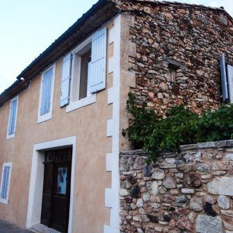 Villa in Roussillon town centre