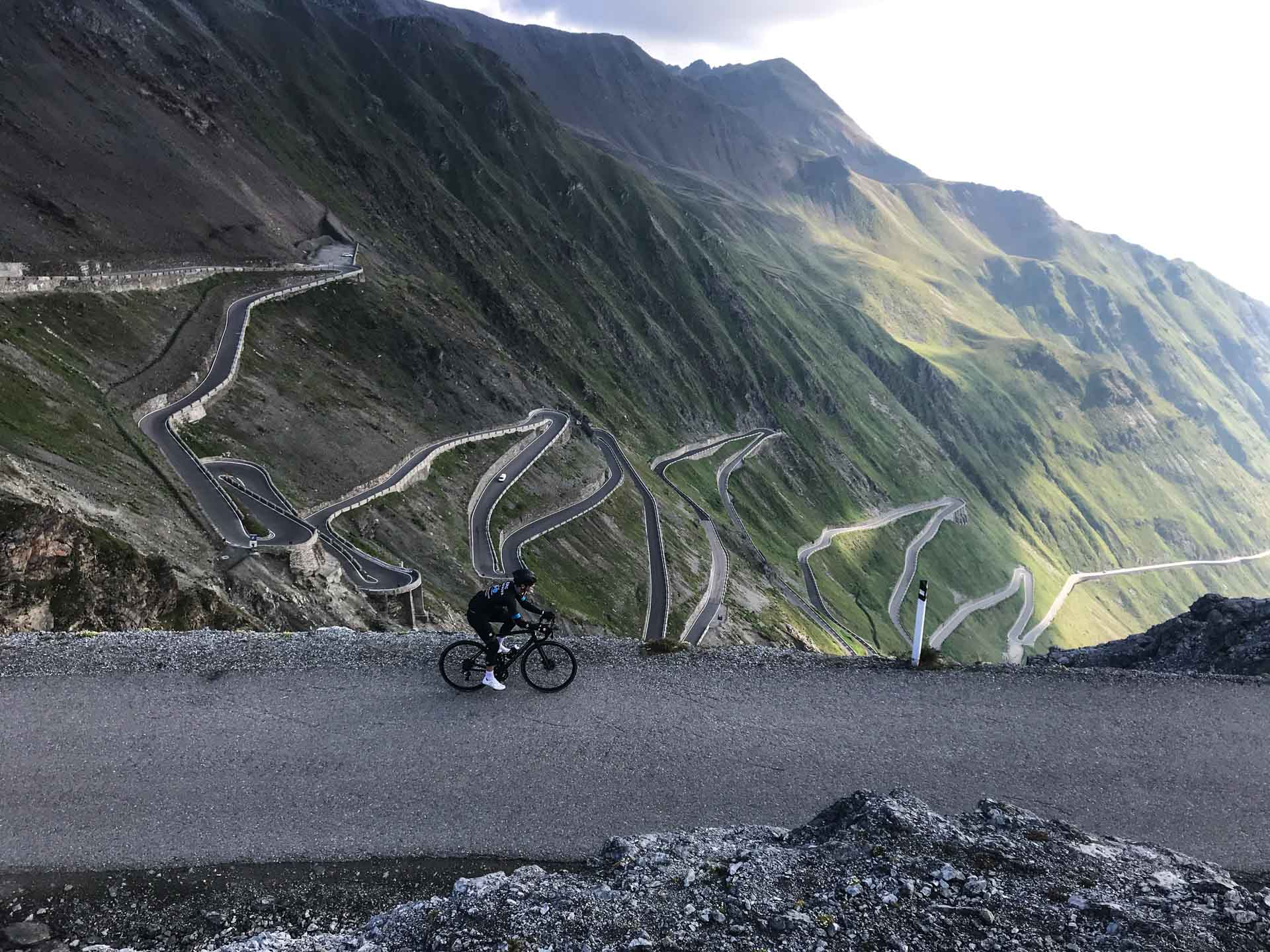 Cycling Stelvio Pass Region Italian Alps Your Ultimate Guide