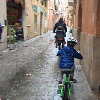 Easy cycling around streets of Palma mallorca