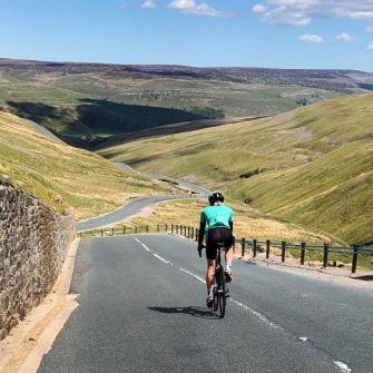 Descent of Buttertubs Pass to Thwaite