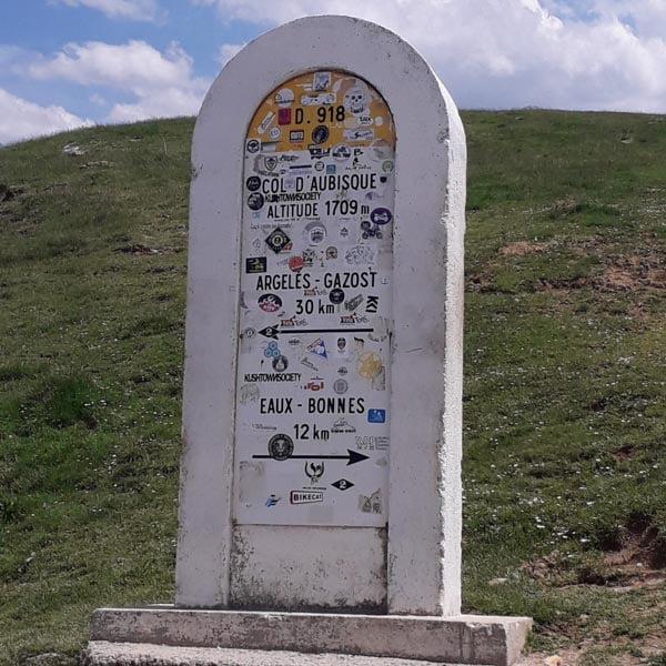 Col de Aubisque marker milestone