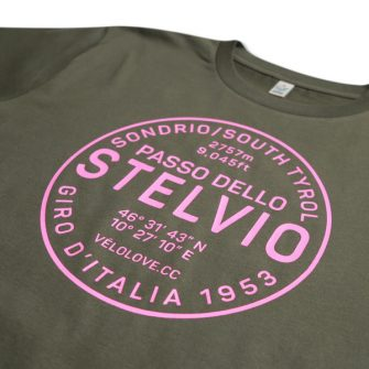 Stelvio tshirt close up in pink