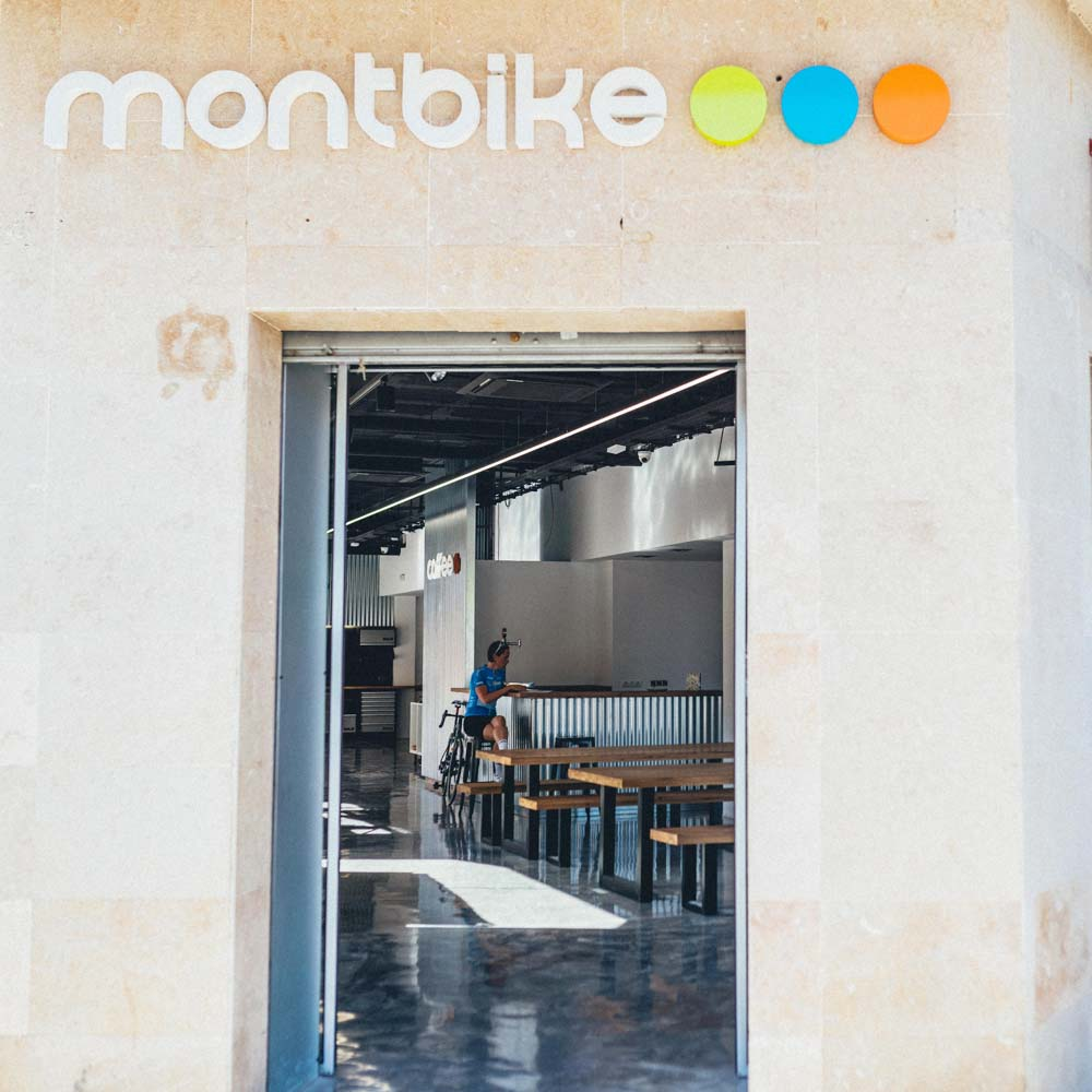 MontBike costa daurada bike hire perfect for group cycling holidays