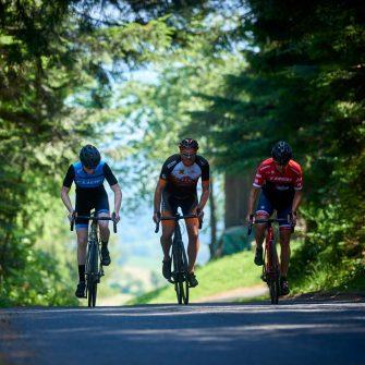 Cyclists on a road in Austria (credit ®JorisLugtigheid)