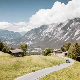 Cycling road in the Otztal valley Austria (© Ötztal Tourismus Rudi Wyhlidal)