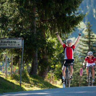 Reaching the summit of a big mountain by bike in Austria (copyright: Bregenzerwald_Arjan Kruik)