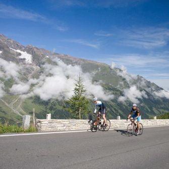 Cyclists on Grossglockner cycling climb Austria(credit: Pinzgau_Heiko Mandl)